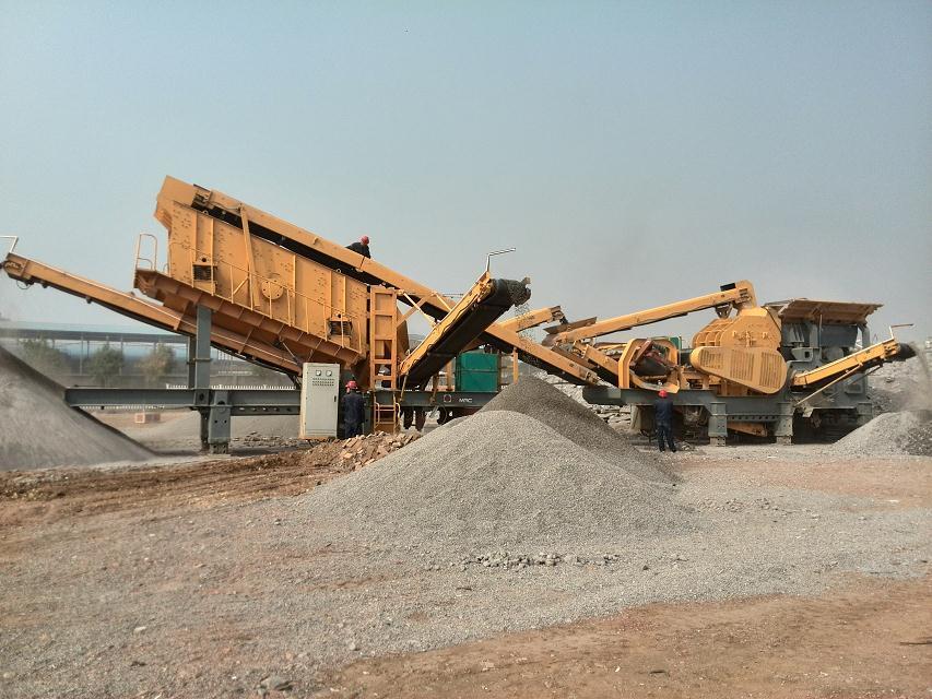 日产1500吨破碎建筑垃圾现场